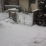 雨どいが積雪で変形